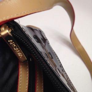 Arcadia Bags - ARCADIA PATENT LEATHER CROSSBODY MESSENGER BAG